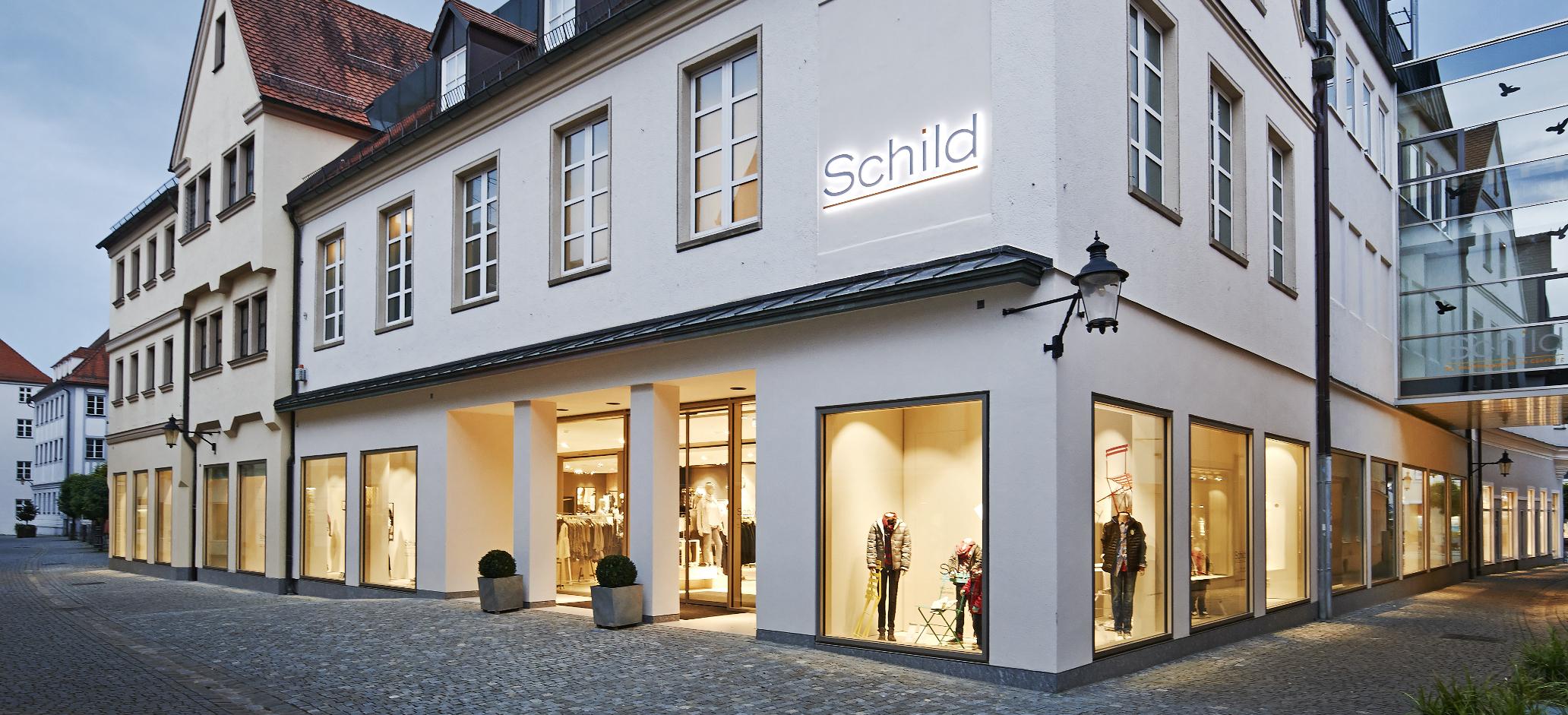 Modehaus Schild Ansicht Hofgasse